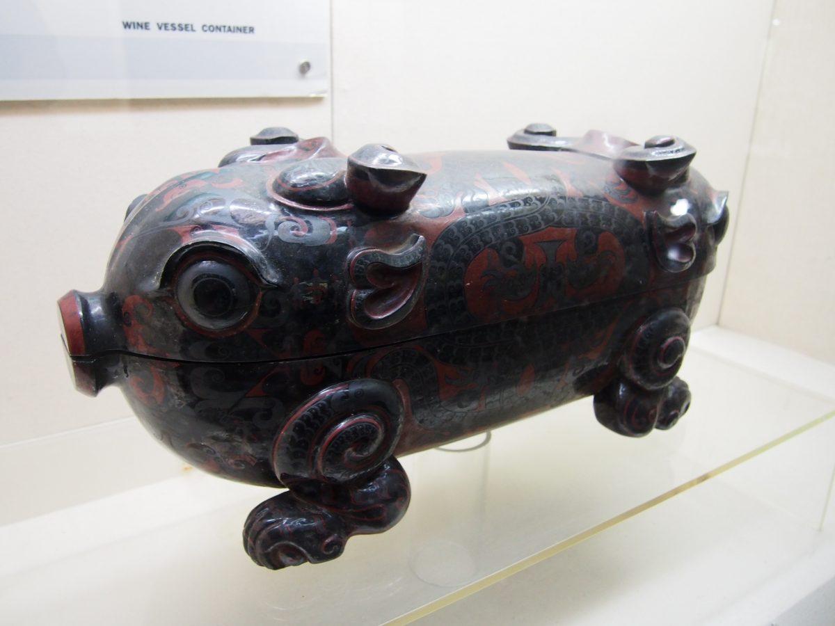 猪形酒具盒