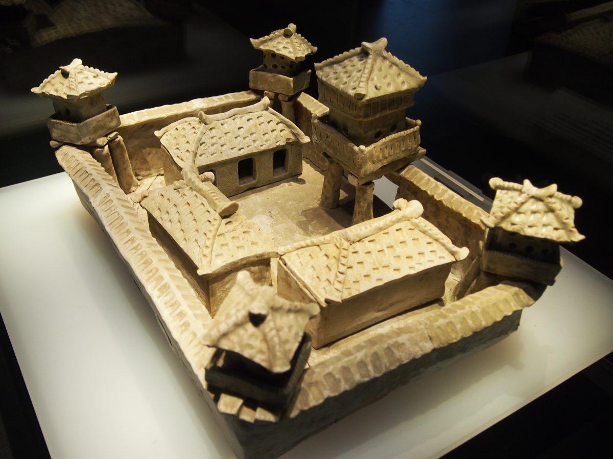 西晋陶瓷屋堡
