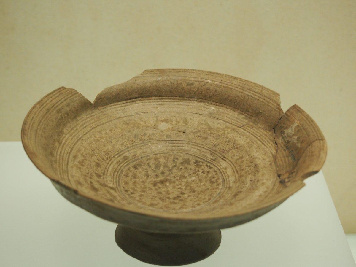 西周原始瓷豆