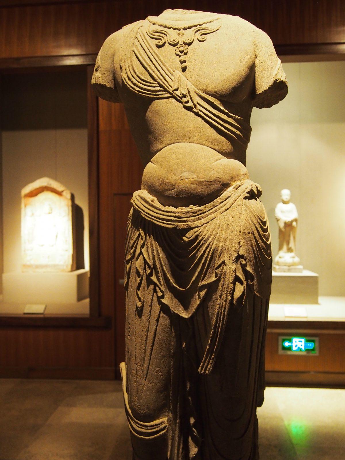 唐代菩萨立像