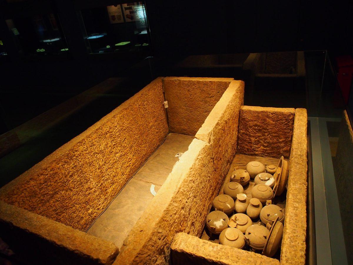 西汉石椁墓