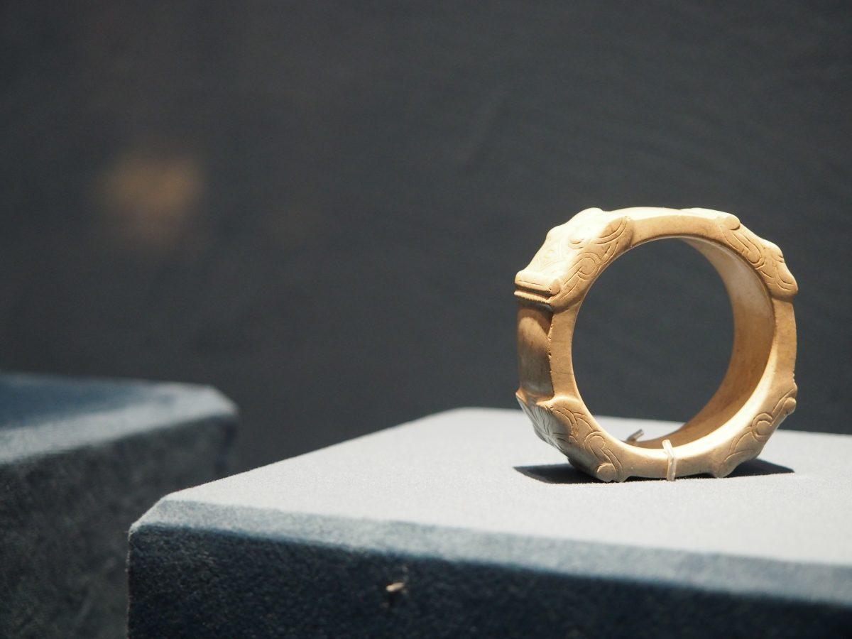 良渚博物院·良渚文化·龙首纹玉镯