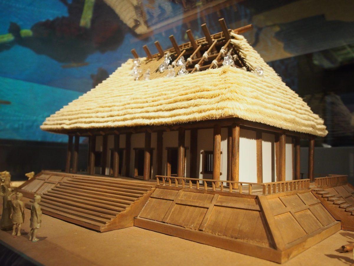 良渚遗址莫角山宫殿建筑模型