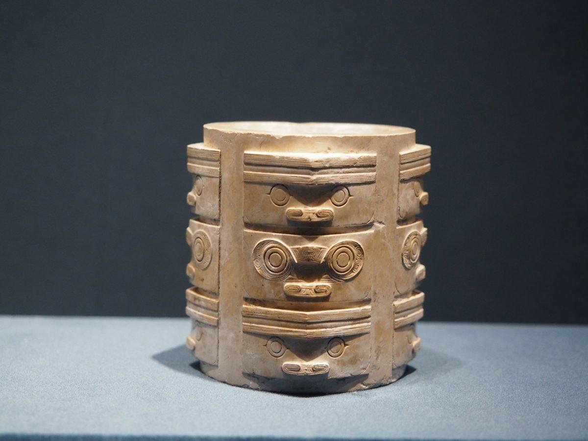 渚文化·玉琮