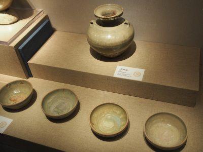 青瓷盘口壶、青瓷碗