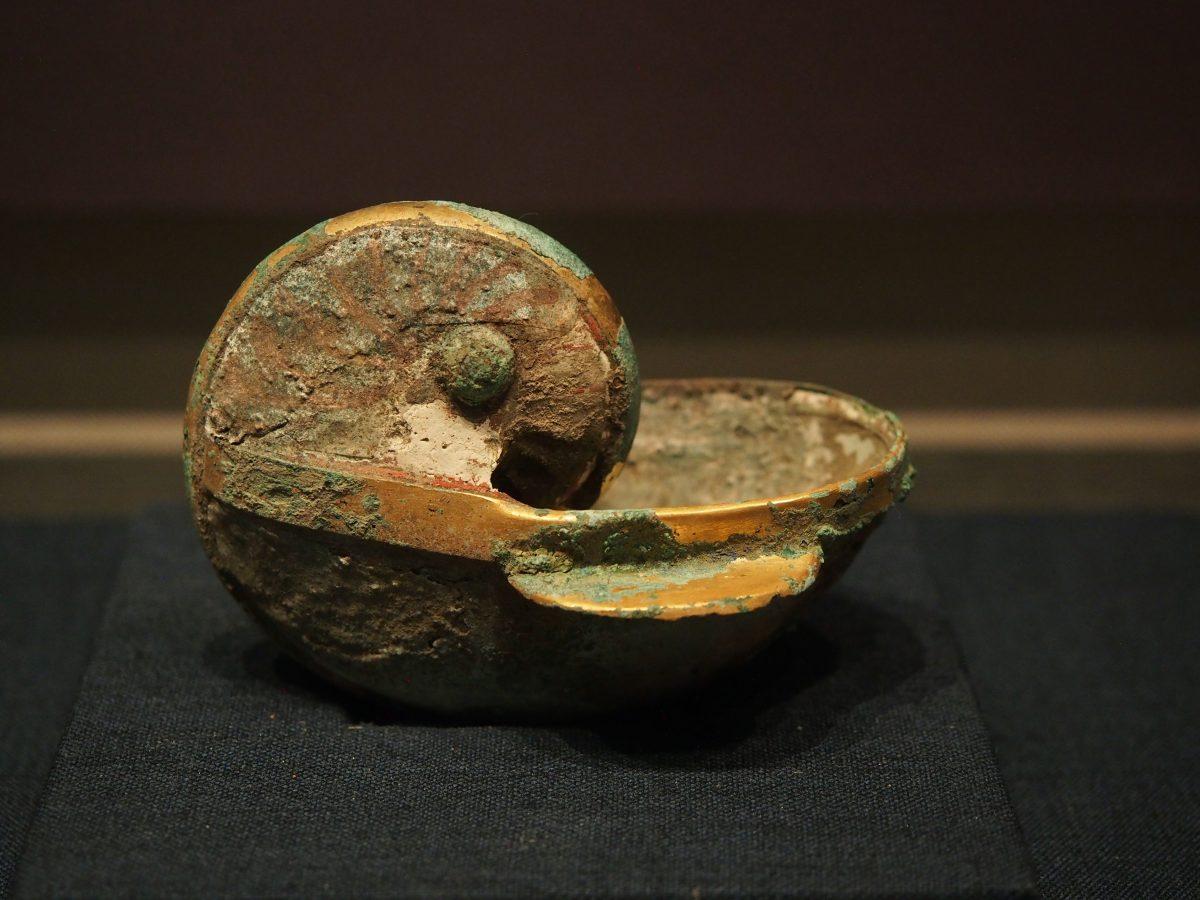 江苏徐州·邳州博物馆·煎药庙·西晋鹦鹉螺杯