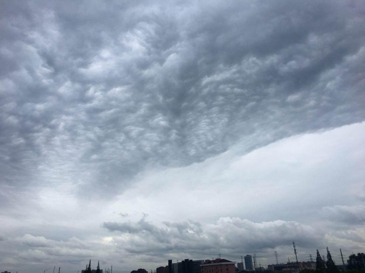 上海·秋季·糙面云