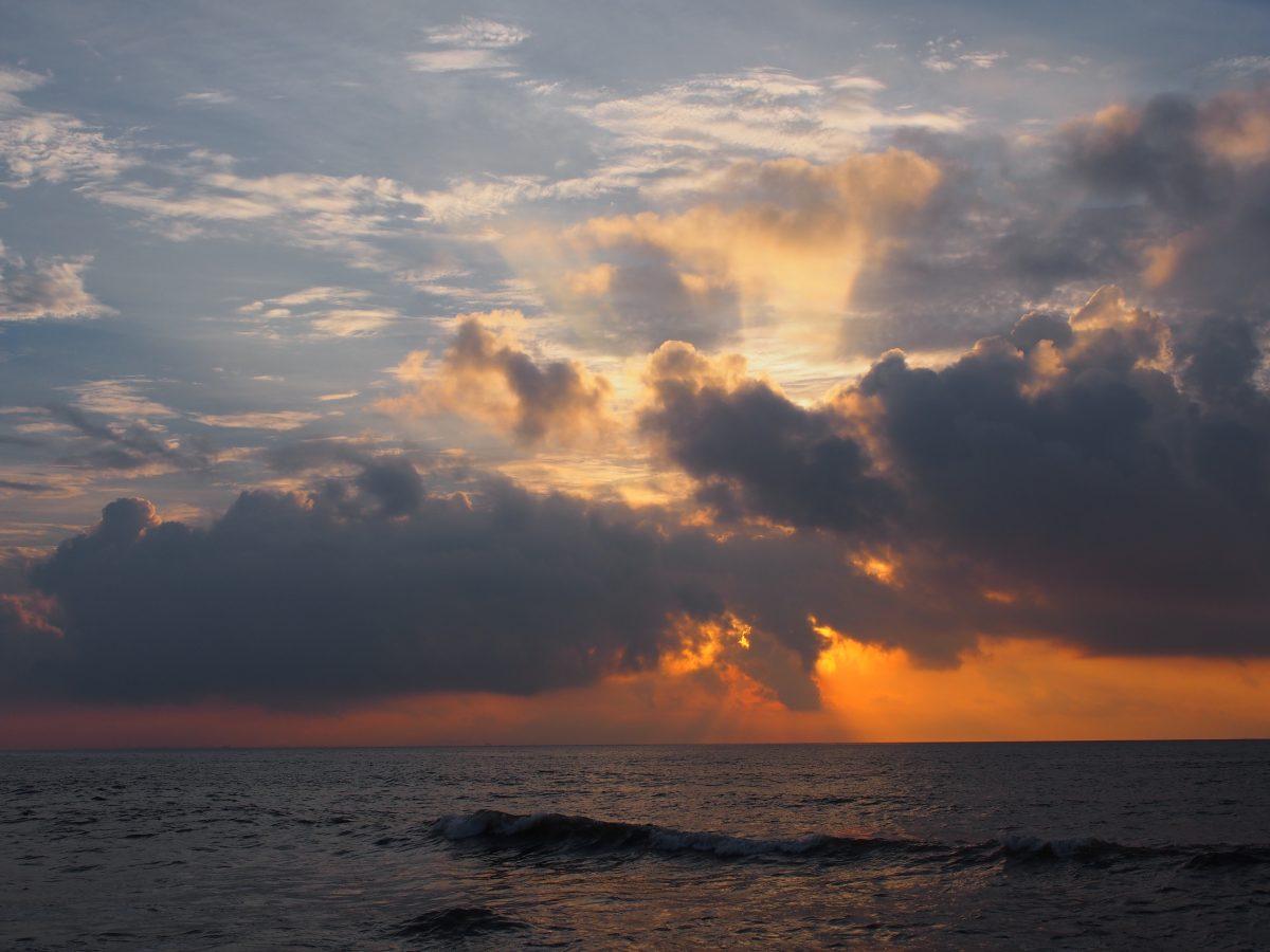 山东·日照·任家台礁石公园日出